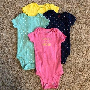 4 pack Carter's bodysuits